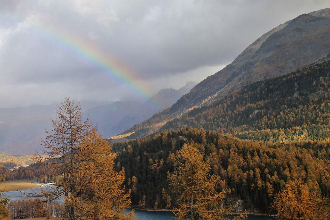 Les alpes et ses couleurs automnales