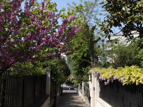 villa-cronstadt-mouzaia-paris-insolite-rues-secretes-echange-de-maisons