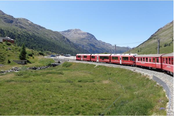 Alpes-tramway-mont-blanc-chamonix
