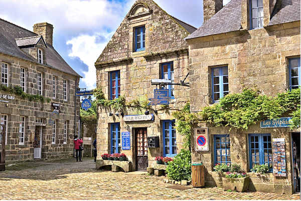 Locronan-bretagne-village-de-france