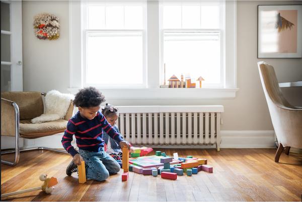 enfant-jouets-chambre-echange-de-maison-famille-temoignage