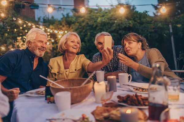 retraites-repas-convivialite-echange-de-maison