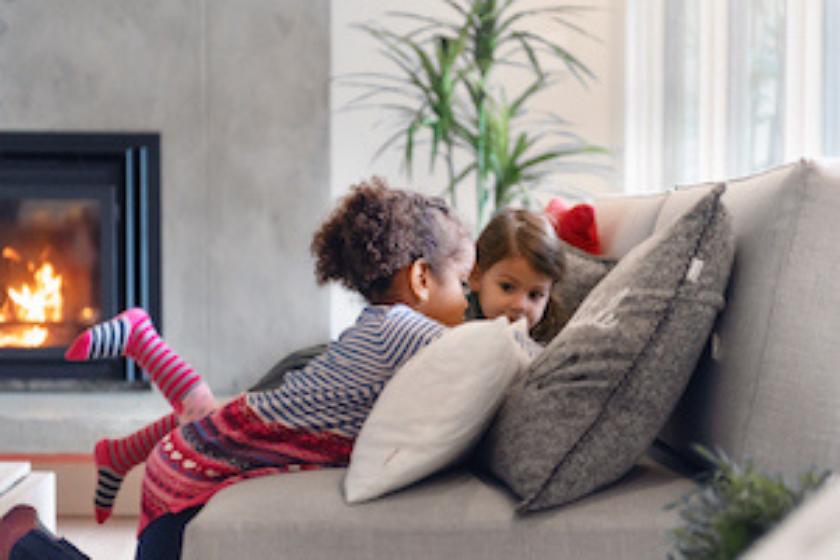 cheminée-échange-de-maison-vacances-hiver-cocooning