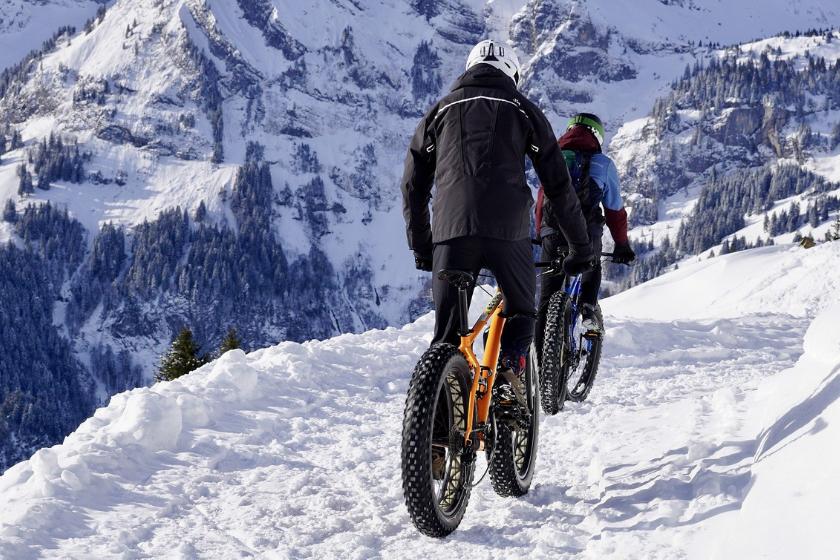Fatbike-vélo-montagne-neige