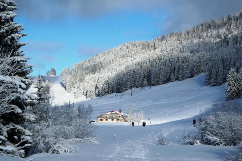 Les-Rousses-ski-station-famille