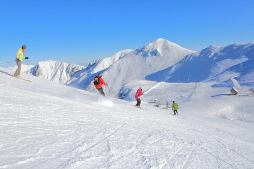 Mont-Dore-Auvergne-ski-famille
