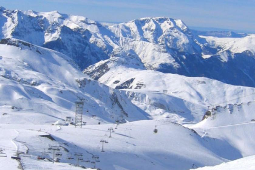 Les-deux-alpes-ski-station