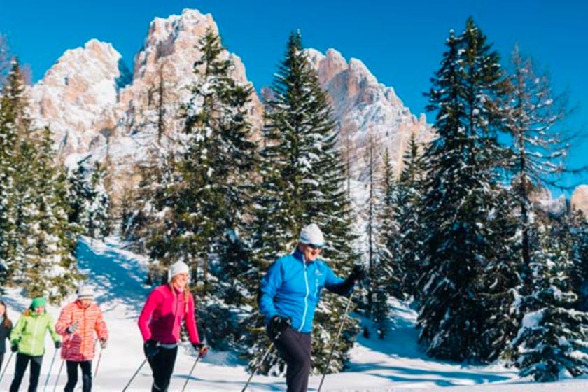 Cortina-d-ampezzo-italie-station-ski