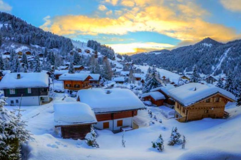 Valais-Suisse-Station-Ski