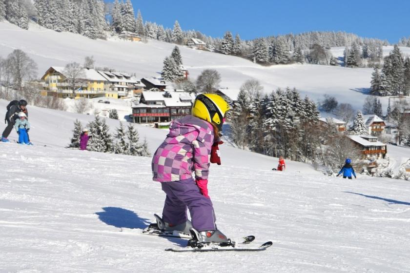 Stations-familiales-ski-vacances