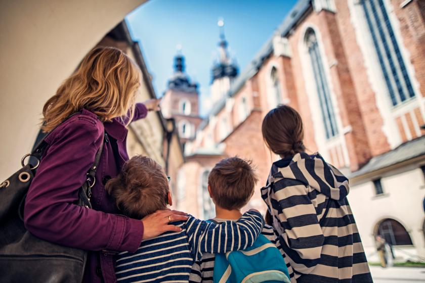 Vacances-Paques-Famille-se-cultiver-visiter-monuments-villes-villages