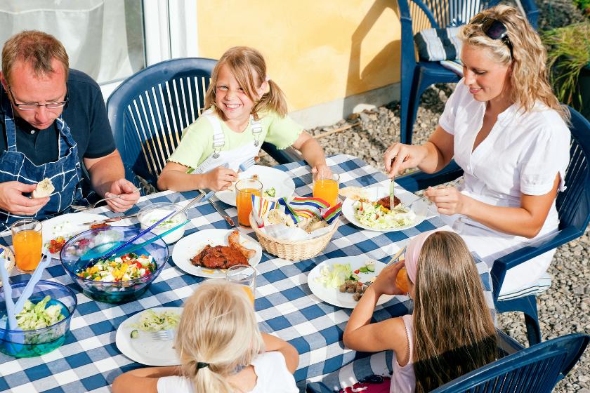 Echange-maison-vacances-famille-repas