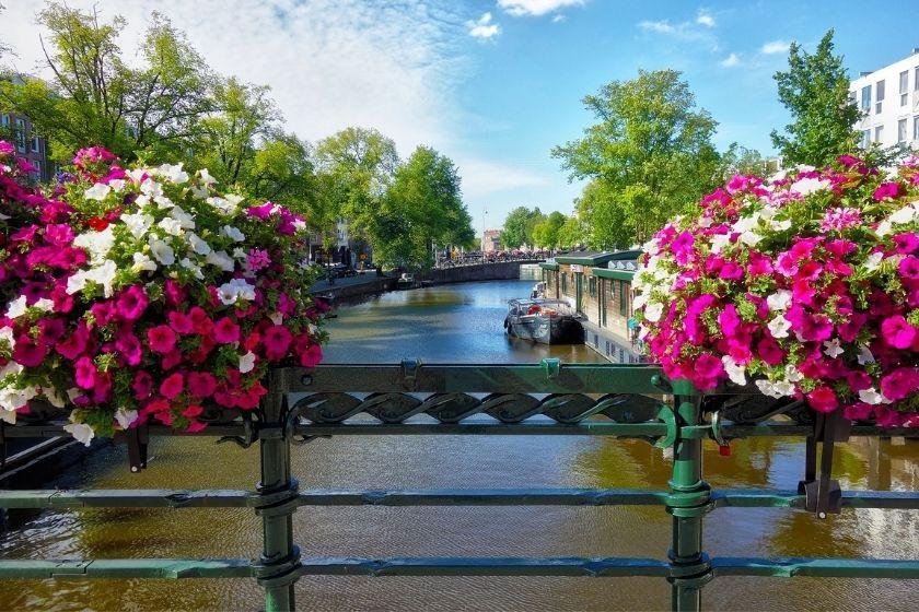 alt Amsterdam_vacances_ete_HomeExchange, title Amsterdam_vacances_ete_HomeExchange