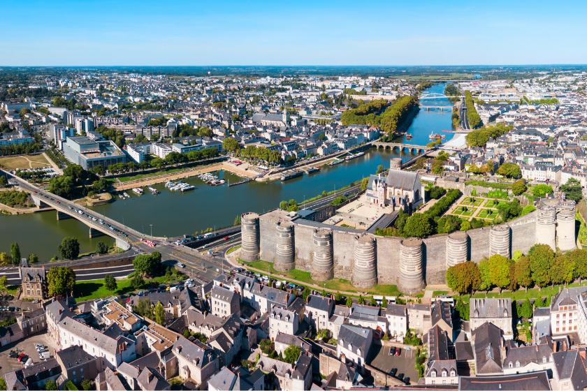 Angers-hebergement-echange-maison